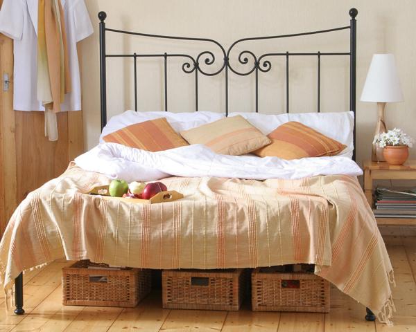 Łóżko metalowe kute Emilly jeden szczyt