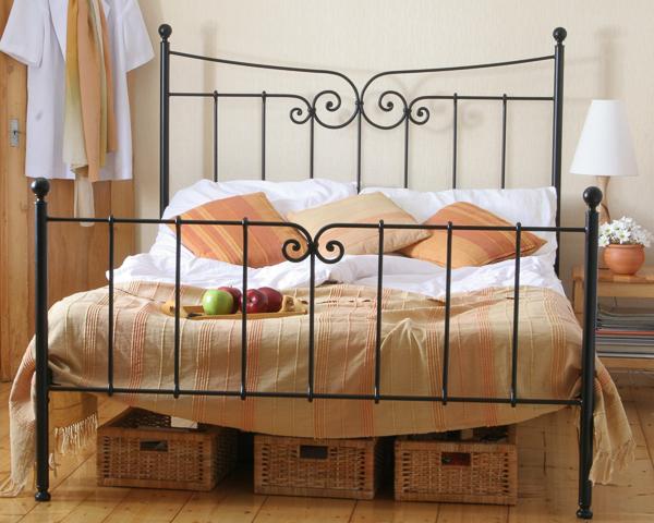 Łóżko metalowe kute Emilly dwa szczyty