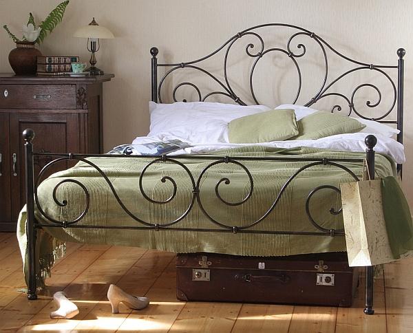 Łóżko kute Agnes z dwoma szczytami