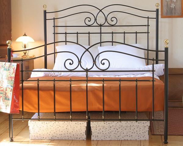 Łóżko metalowe kute Marco dwa szczyty