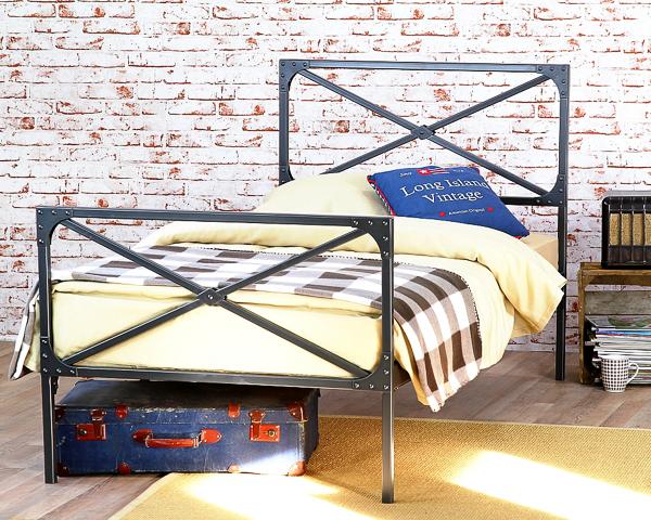 Łóżko metalowe Loft dwa szczyty