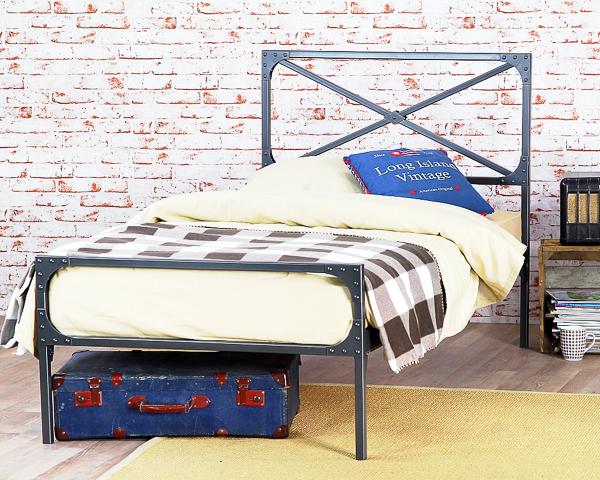 Łóżko metalowe Loft II dwa szczyt